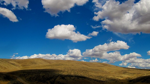 clouds-1822120_640